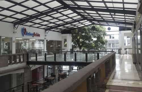 local comercial disponible para renta, plaza niza 66, cdmx.