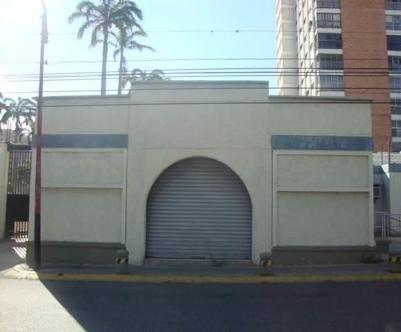 local  comercial   en  alquiler en el este-lara
