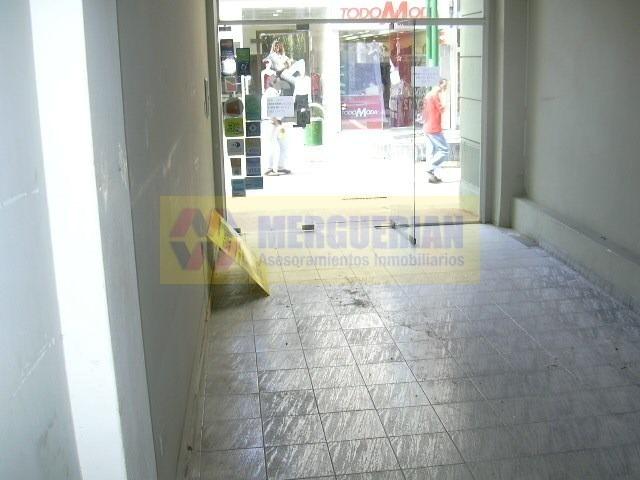 local comercial en alquiler - en la entrada de la galería vía nueva -