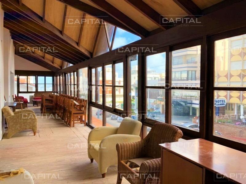 local comercial en alquiler en la península de punta del este +restorán +bar +gastronomía +restó +parrillada- ref: 27914