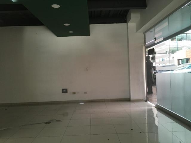 local comercial en alquiler en piantini 1er nivel 58m2