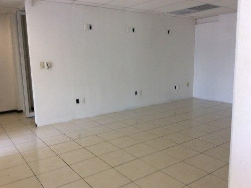 local comercial en equina de arteria principal de cancun av