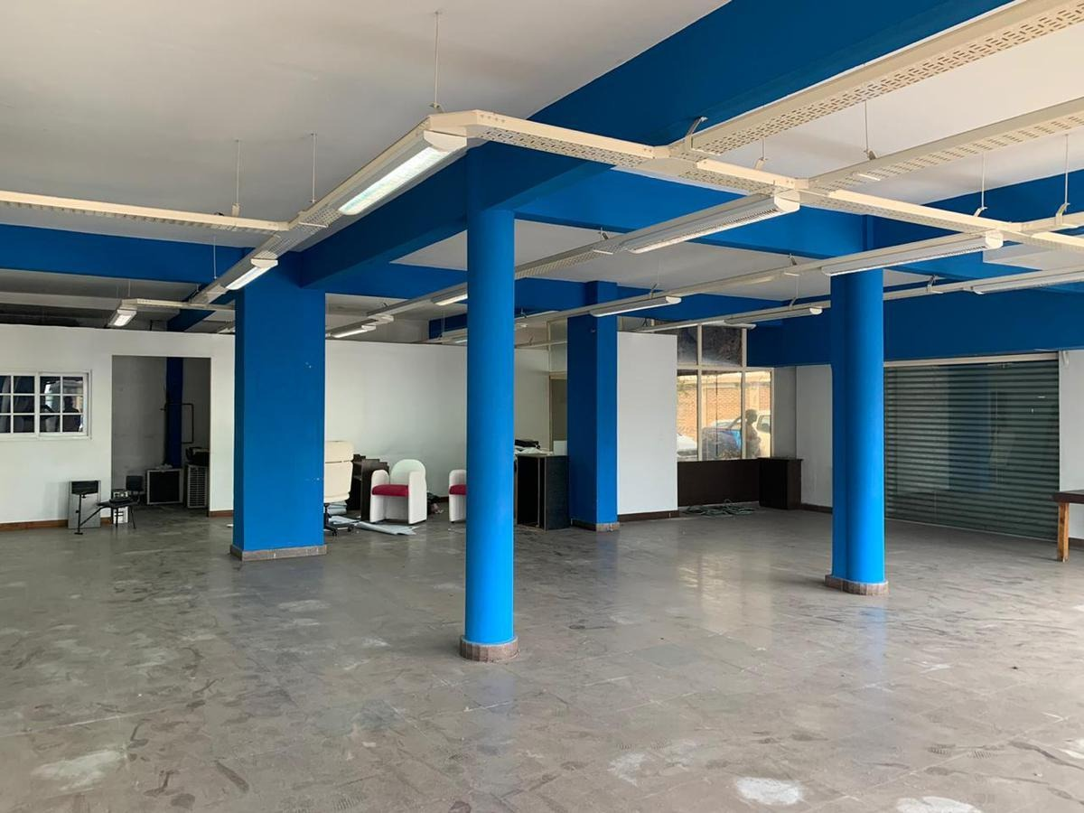 local comercial en esquina 200 m² - opción dpto 4 amb en pa - s.justo (ctro)