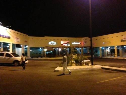 local comercial en fonatur, paseo finisterra