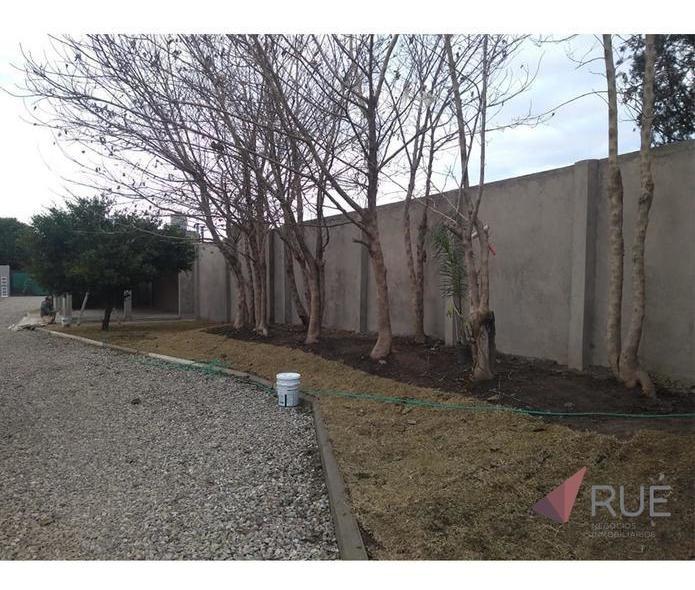 local comercial en haus701 (housing zona sur)   posesión inmediata   venta