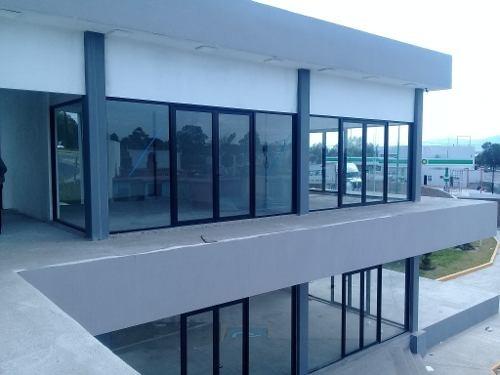 local comercial en planta alta en esquina. con terraza, dentro de plaza comercial complejo dentro de