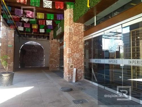 local comercial en renta en planta baja  en plaza del mariachi