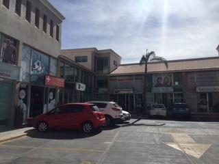 local comercial en renta en plaza momentum en fracc milenio