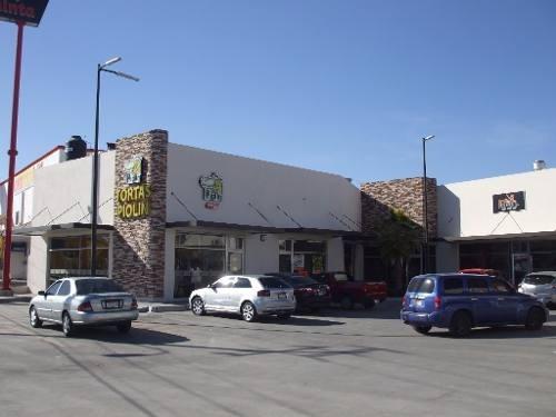 local comercial en renta plaza la quinta (al sur)