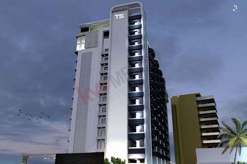 local comercial en t5  torre cinco  condos & plaza