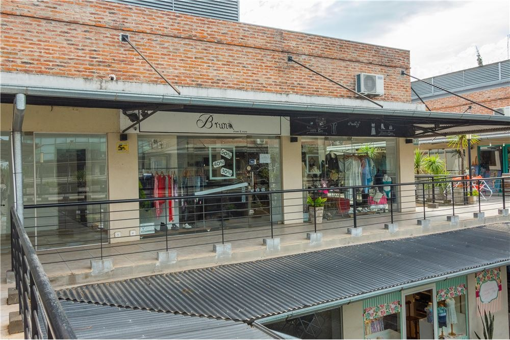 local comercial en venta la escala pilar