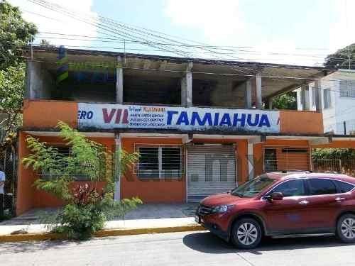 local comercial en venta tuxpan ver cuenta con 250 m² de construcción y 1,060 m² de terreno, se encuentra ubicado sobre el boulevard independencia de la colonia la rivera, cuenta con 2 construcciones