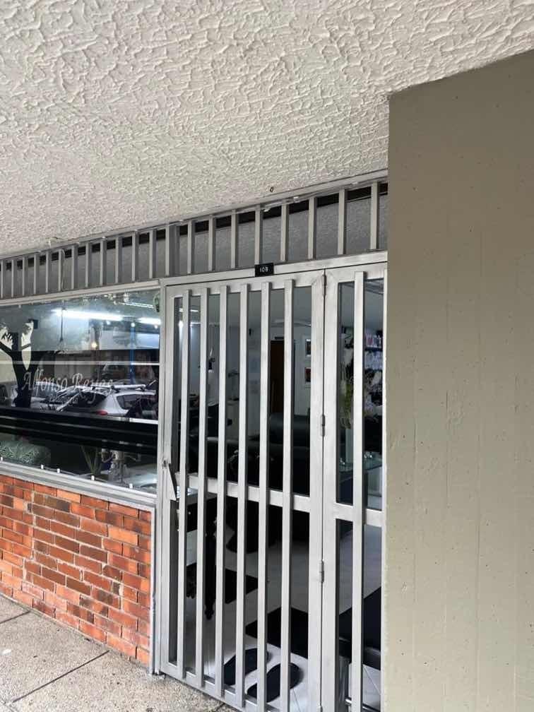local comercial exterior 67 mts con baño. rentando $1.7m/mes