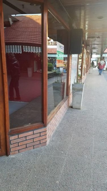 local comercial galería paseo alem en monte grande