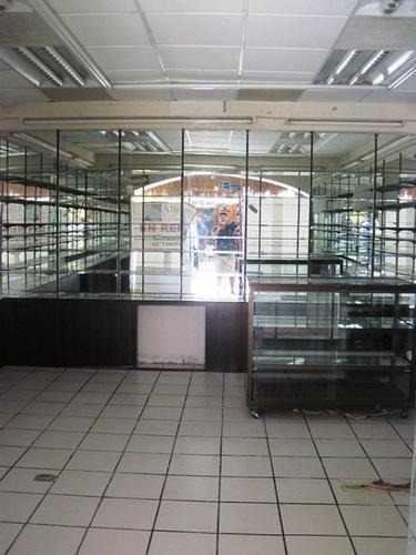 local comercial playacar 112