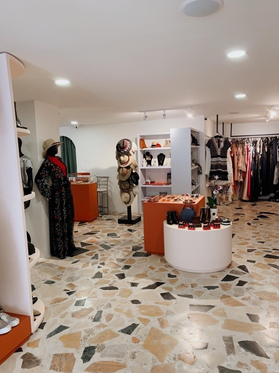 local comercial recien remodelado en prado norte