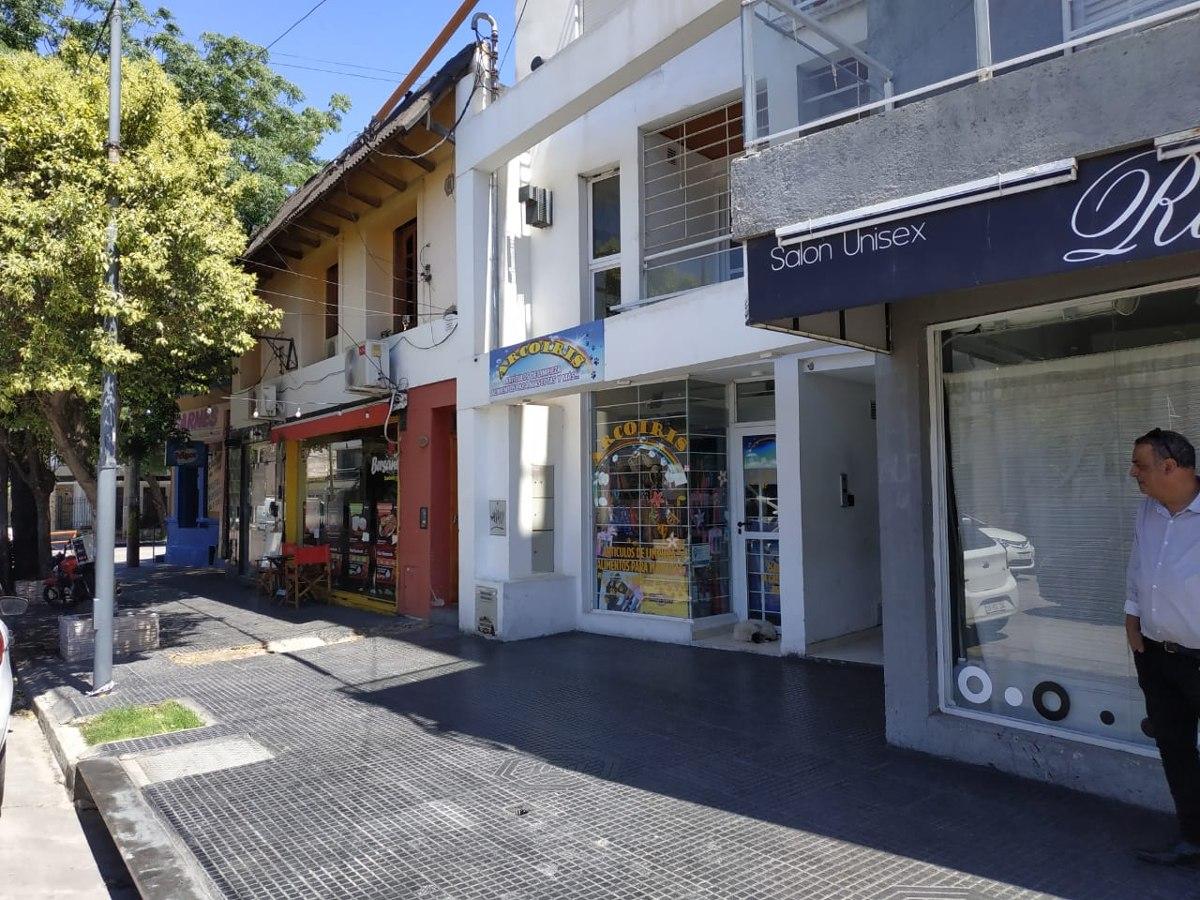 local comercial sobre avenida alta cba
