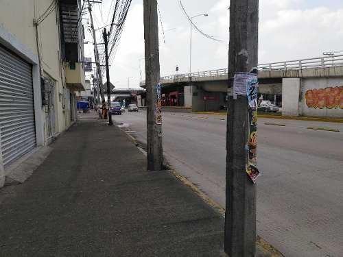 local comercial sobre avenida principal