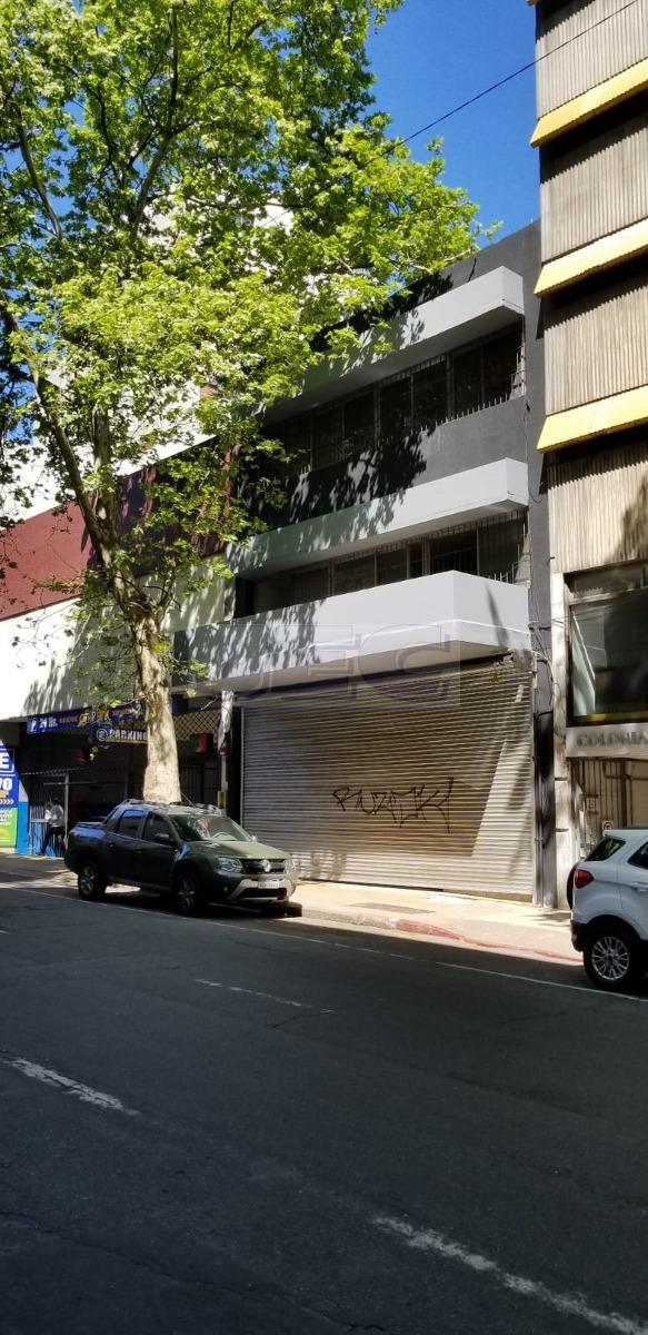 local comercial sobre la calle colonia,gran metraje entero