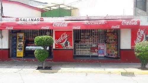 local comercial, tienda de abarrotes con licencia para venta de cerveza