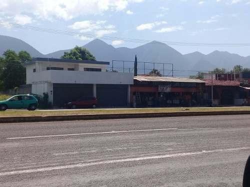 local comercial venta 750 metros el yerbaniz santiago nuevo leon