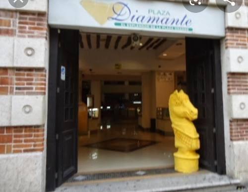 local comercial venta en plaza diamante