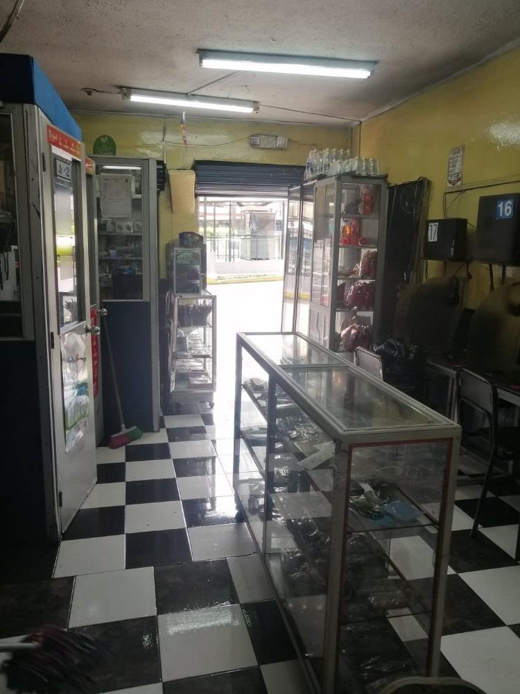 local comerial  cyber & cabinas playon de la marin