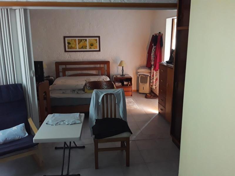 local  con apartamento - treinta y tres