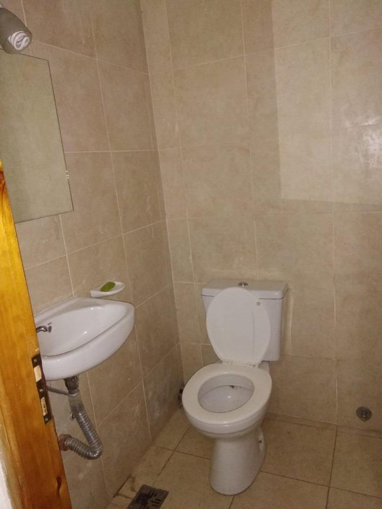 local con baño - huergo 1400