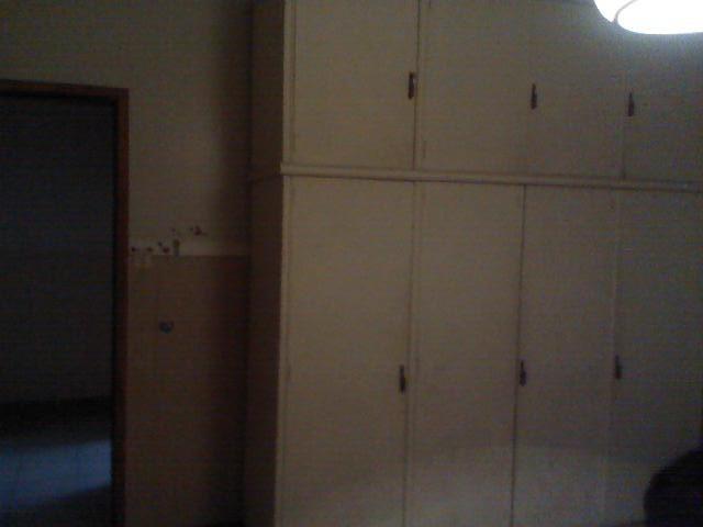 local con baño y viviendsa de 2 amb. con garage