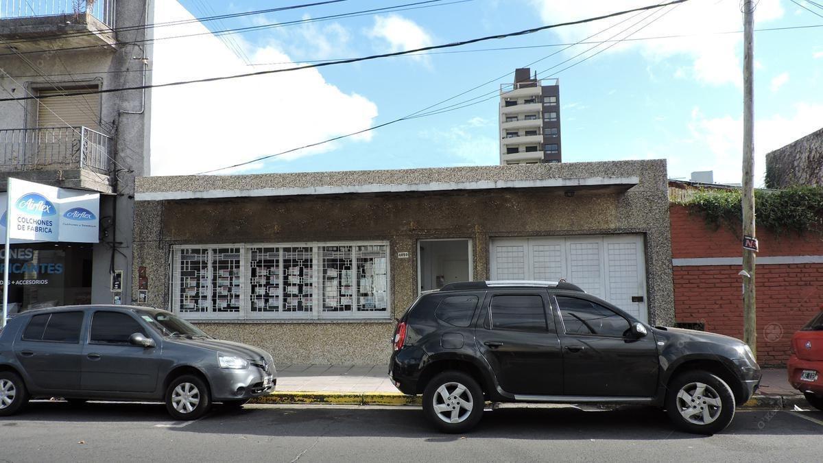 local con galpon en alquiler en el centro de berazategui