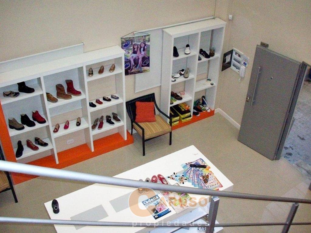 local con showroom, oficina y cochera sobre colectora