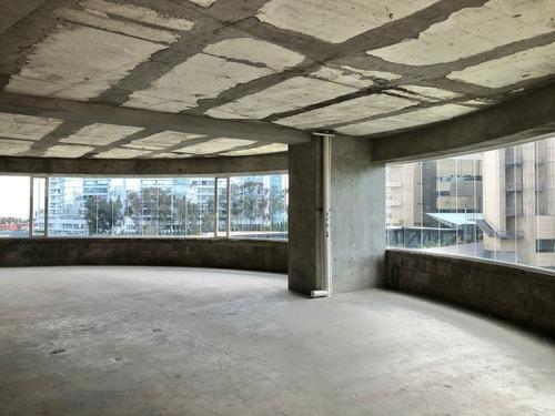 local con terraza en 3er piso