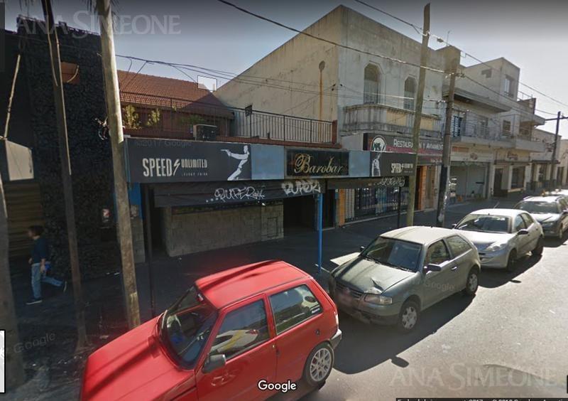 local con vivienda. actualmente se encuentra instalado un bar