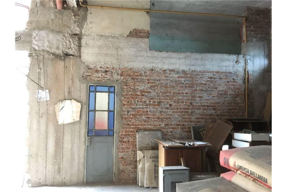 local con vivienda - alquiler - parque avellaneda