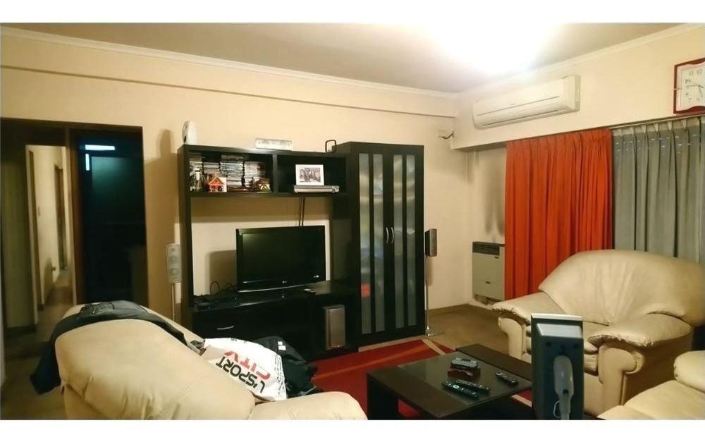 local con vivienda c/ garage. acepta permuta / m2