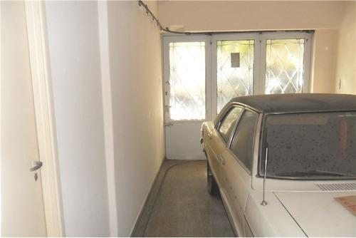local con vivienda de 6 amb y garage  con renta