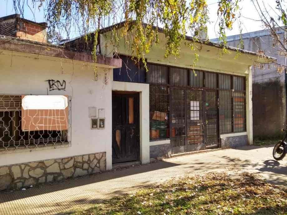 local con vivienda en venta en francisco alvarez
