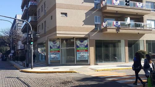 local de 1000 mt2 - venta villaluro rivadavia 9800 esquina!