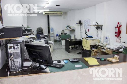 local de 130 m2 en la calle junin. a tres cuadras de avenida callao