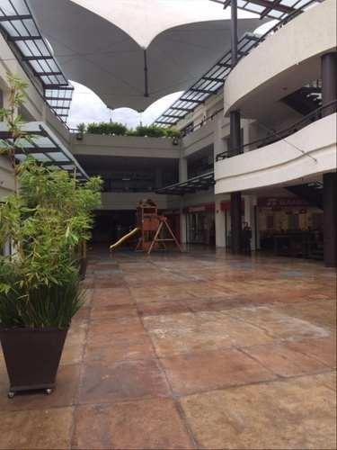 local  de 137 m2, en segundo nivel de plaza comercial