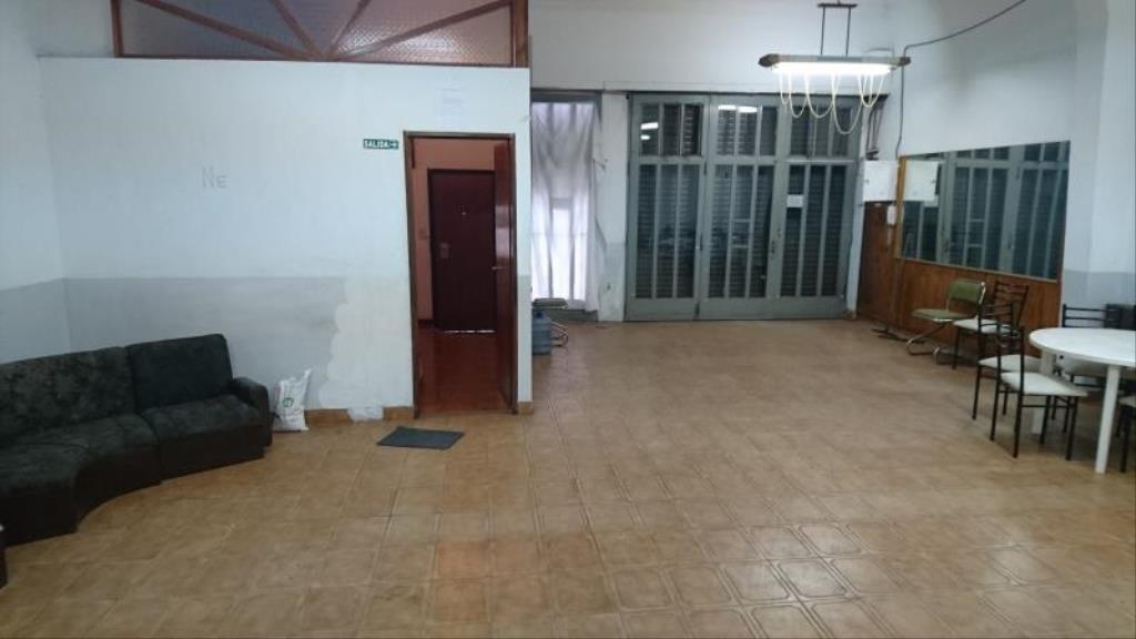 local de 240 m2 en alquiler