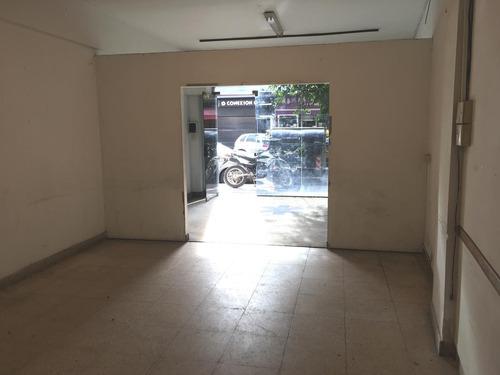 local de 56 m2 a media cuadra de av.san martín- paternal