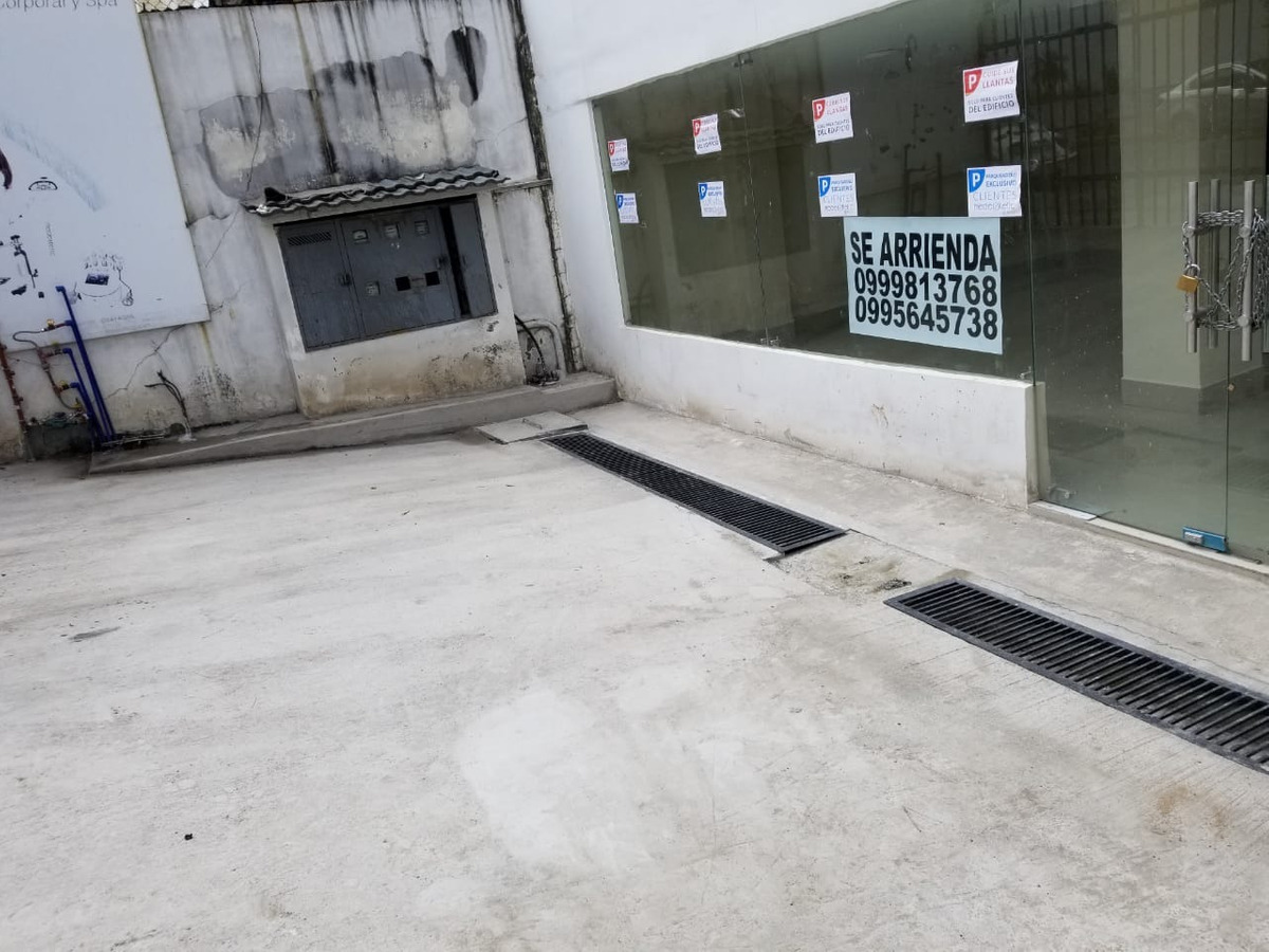 local de arriendo por canal 4 americas 170m  4 parqueaderos