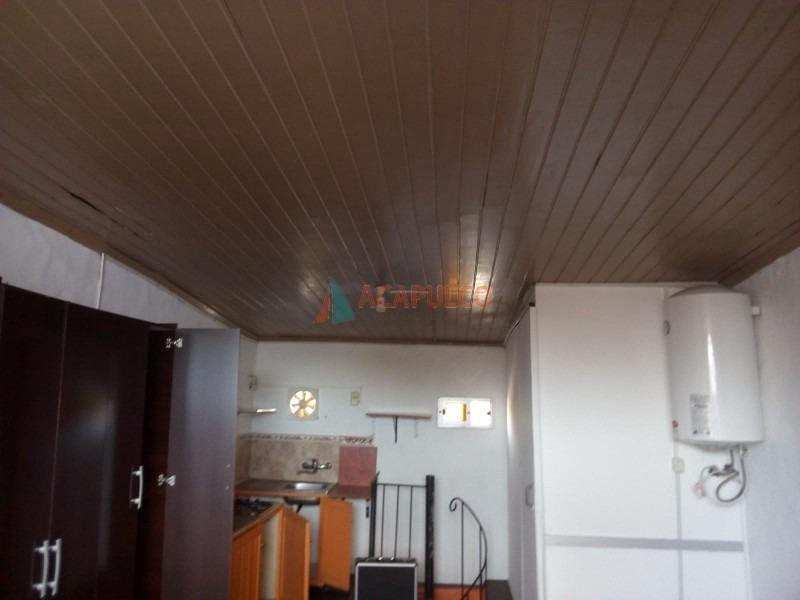 local duplex en centro de maldonado a una cuadra del campus- ref: 3253