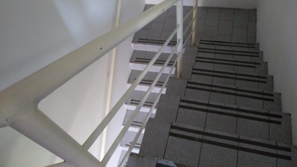 local en 2 plantas con 500 mts 2 y todos los servicios- la plata