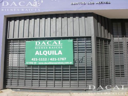 local en alquiler en la plata calle 64 e/ 136 y 137 dacal bienes raices