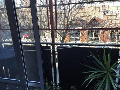 local en esquina villa gral mitre paternal super vidriera con vivienda depósito