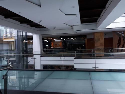local en exclusiva plaza comercial