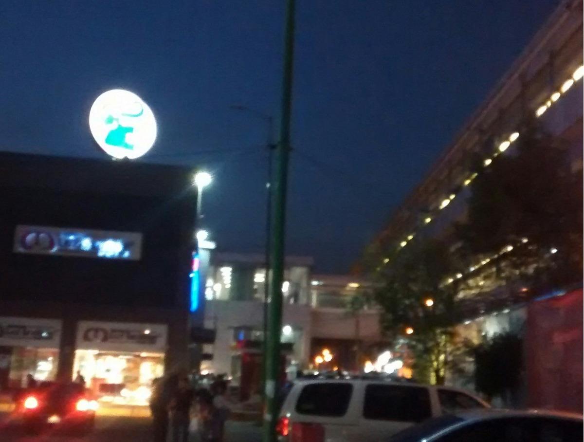 local en plaza comercial